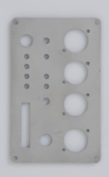 Plaque connectique enceinte active